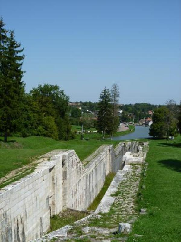 The Canal - Hikes & walks in Rogny-les-Sept-Écluses