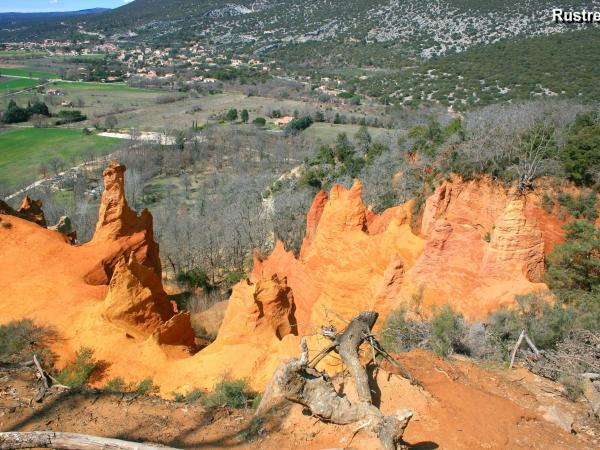 Colorado of Provence - Hikes & walks in Rustrel