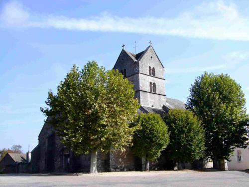 Montaigu Castle and the Hamlet of Touches - Hikes & walks in Saint-Martin-sous-Montaigu