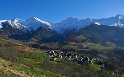 Balades Dans Les Hautes Pyrenees Guide Et Itineraires