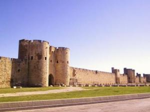 Aigues-Mortes, le rempart Sud