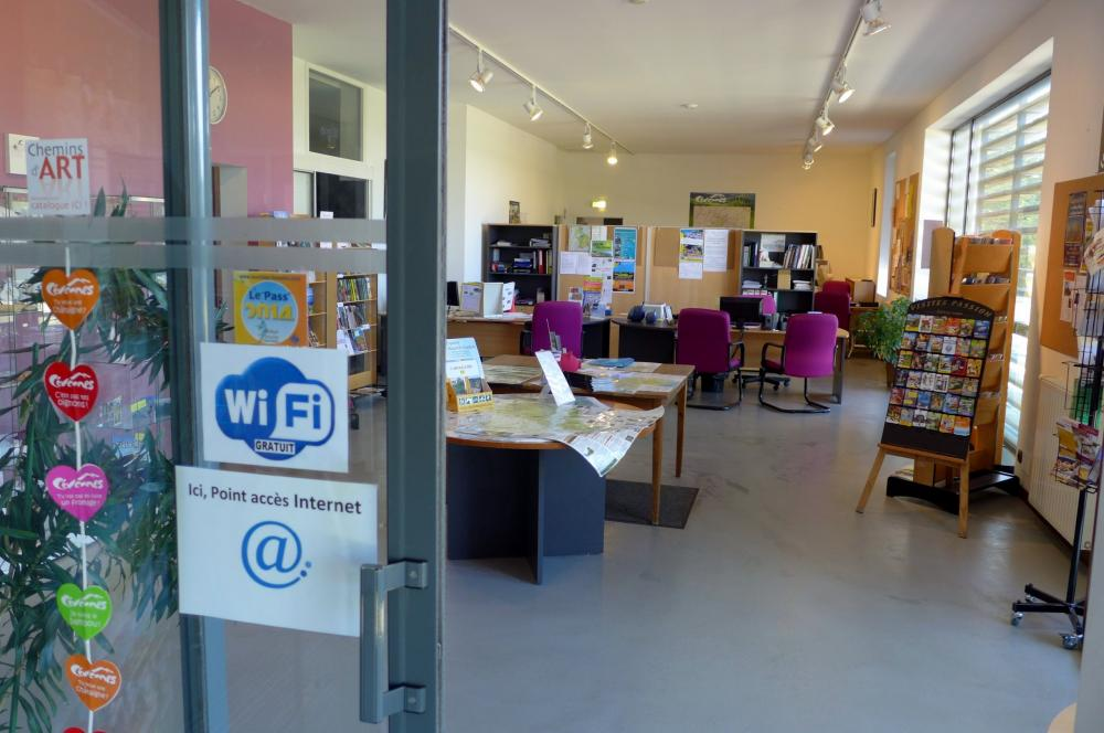 Foto 39 s vvv kantoor van all gre les fumades informatiepunt in all gre les fumades - Office de tourisme allegre les fumades ...