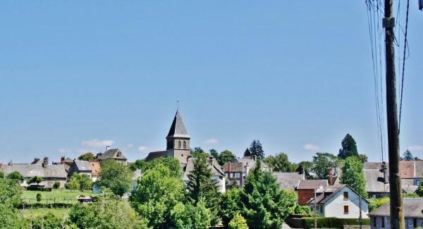 Ally - Tourism, holidays & weekends guide in the Cantal