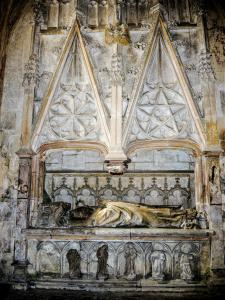 The recumbent, in the church (© J.E)
