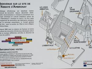 Information on the old abbey (© J.E)