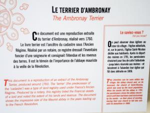 Information on the terrier of Ambronay (© J.E)