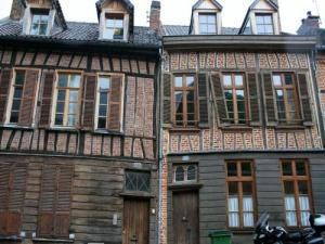 Traditional accommodation in Amiens (© Jean Espirat)