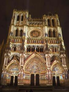 Cathedral in colors (© Amiens Métropole)