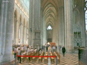In front of the choir of the cathedral (© J.E)