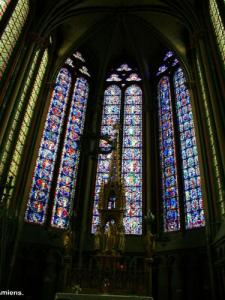 Stained glass windows of the cathedral (© Jean Espirat)