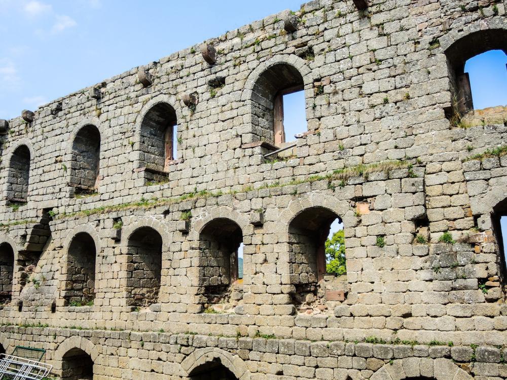 Foto castello d 39 andlau monumento a andlau - Isolare parete interna a nord ...