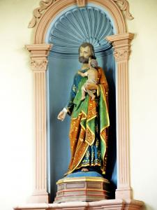 Statue in the church (© Jean Espirat)