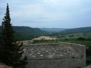 Panorama of the castle Ansouis