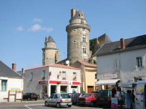 Apremont, Little Village Character