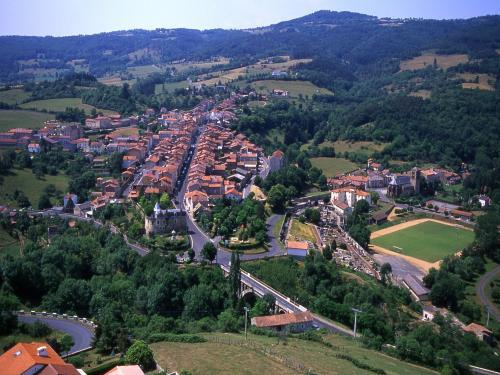 Ardes - Tourism, holidays & weekends guide in the Puy-de-Dôme
