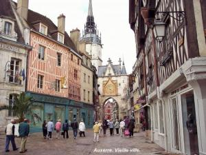 Old Town Auxerre ( © JE)