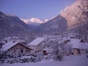 Auzat under snow