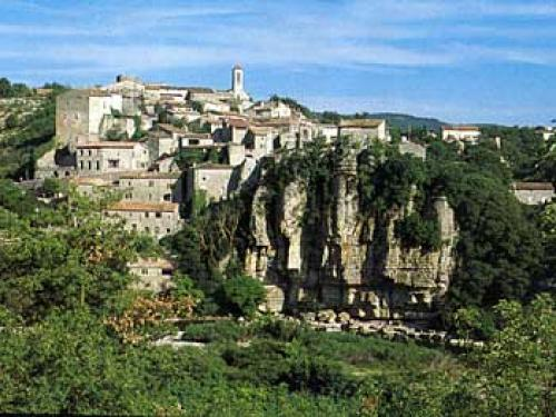 Balazuc - Tourism, holidays & weekends guide in the Ardèche