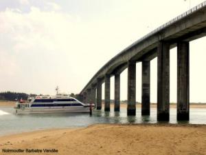 Speedboat for the island of Yeu in Noirmoutier Bridge