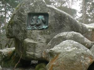 Medallion Rousseau and Millet in the Fontainebleau forest