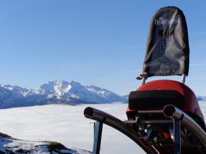 Luge and sea of ​​clouds