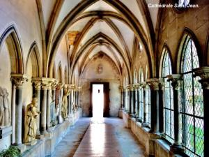 Gallery of the old cloister of the cathedral (© Jean Espirat)