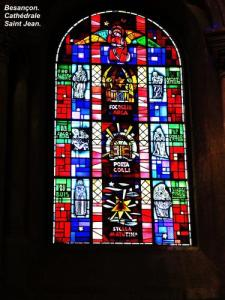 Stained glass window of the Cathedral (© Jean Espirat)