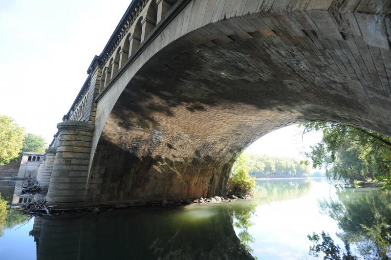 pont canal de l 39 orb monument b ziers. Black Bedroom Furniture Sets. Home Design Ideas