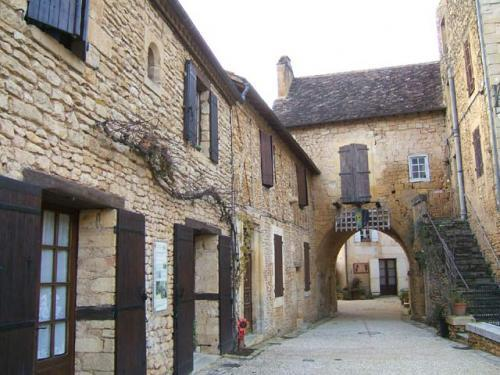 Cadouin - Tourism, holidays & weekends guide in the Dordogne