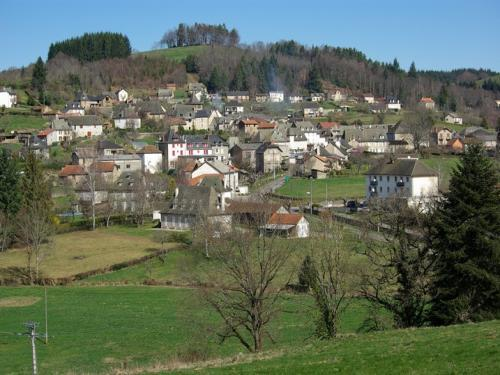 Calvinet - Tourism, holidays & weekends guide in the Cantal
