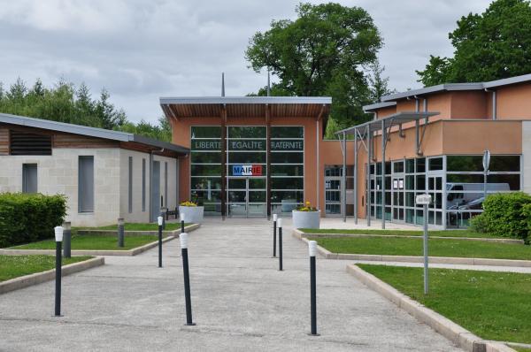 Castelnau de m doc tourisme vacances week end for Garage castelnau de medoc