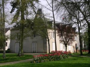 Manor Chalotais