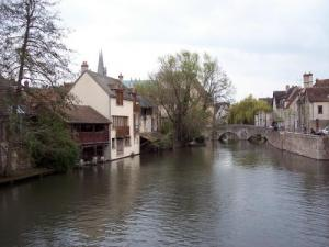 Rives of the Eure to Chartres (© J.E)