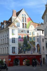 Fresco of the town center of Chartres
