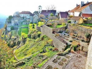 Panorama of the neighborhood of the ancient abbey (© Jean Espirat)