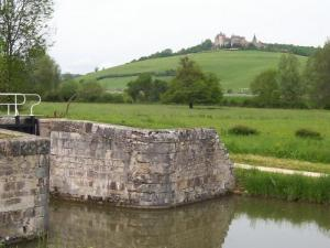 view of the castle of Châteauneuf from the Burgundy canal