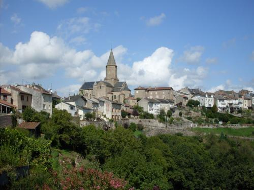 Châteauponsac - Tourism, holidays & weekends guide in the Haute-Vienne
