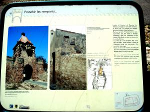 Information on the ramparts (© J.E)