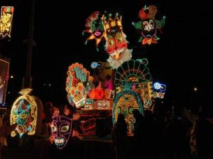 Carnival - Night Parade in April (© CFFS)
