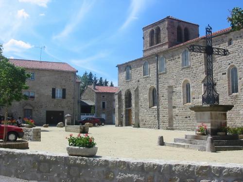 Chomelix tourisme vacances week end - Office tourisme haute loire ...