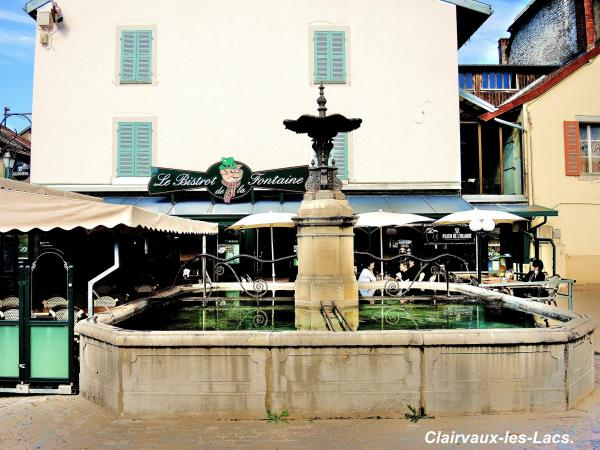 Clairvaux-les-Lacs - Tourism, holidays & weekends guide in the Jura