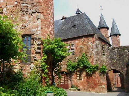 Collonges-la-Rouge - Kirchtürme