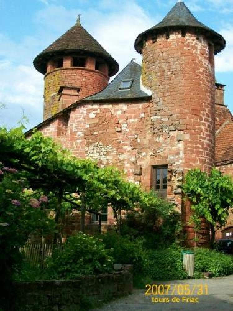 Collonges-la-Rouge - Towers Friac