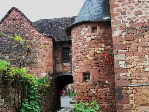 Collonges-la-Rouge - Lane Village