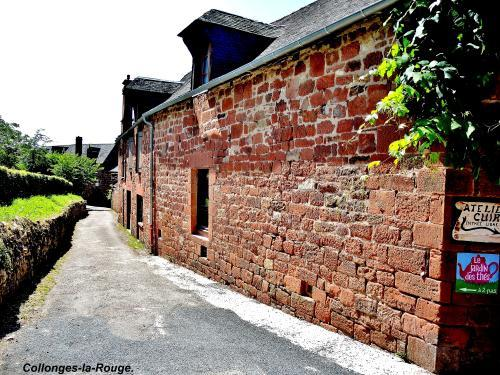 Collonges-la-Rouge - Ruelle (© Jean Espirat )
