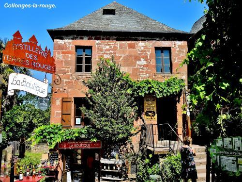 Collonges-la-Rouge - Boutique ( © Jean Espirat )