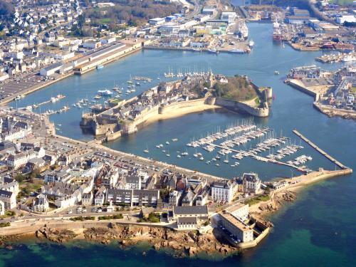 Бретань. г. Конкарно и восхитительный мыс Пуант-де-ла-Торш. Крепость, пляжи, дюны, океан