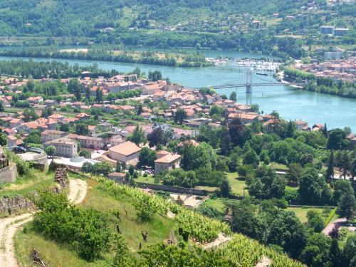 Condrieu - Guide tourisme, vacances & week-end dans le Rhône