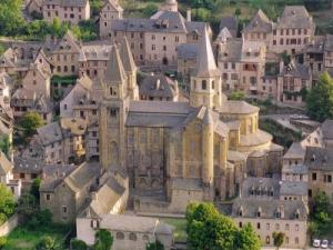Monastery Conques (© CR)