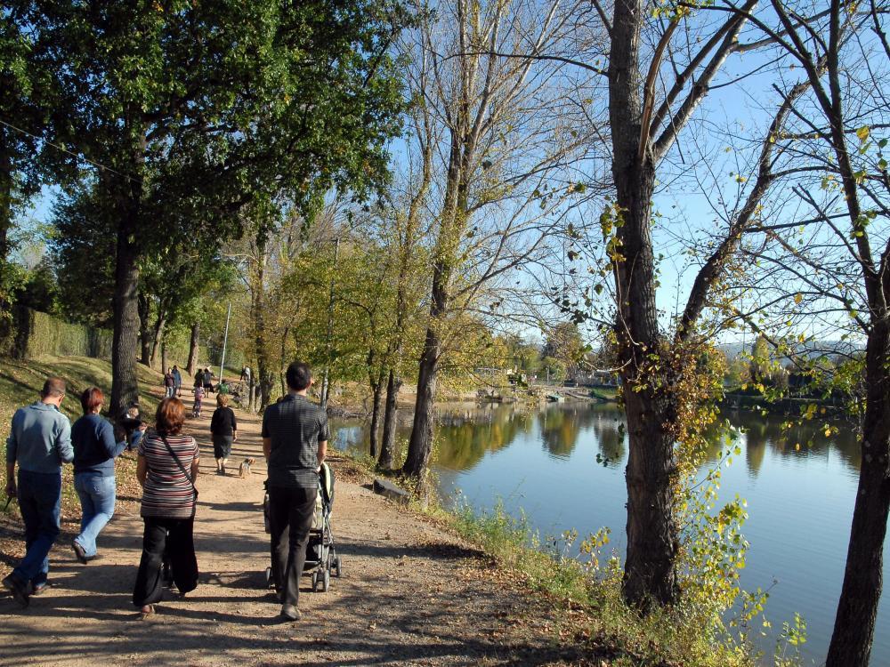 Photos cournon d 39 auvergne tourisme vacances week end for Piscine de cournon